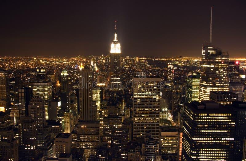 Vista de Manhattan na noite foto de stock royalty free