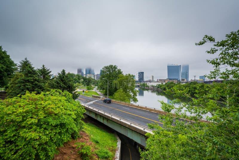 Vista de Martin Luther King Drive y del río de Schuylkill, en Philadelphia, Pennsylvania imagen de archivo