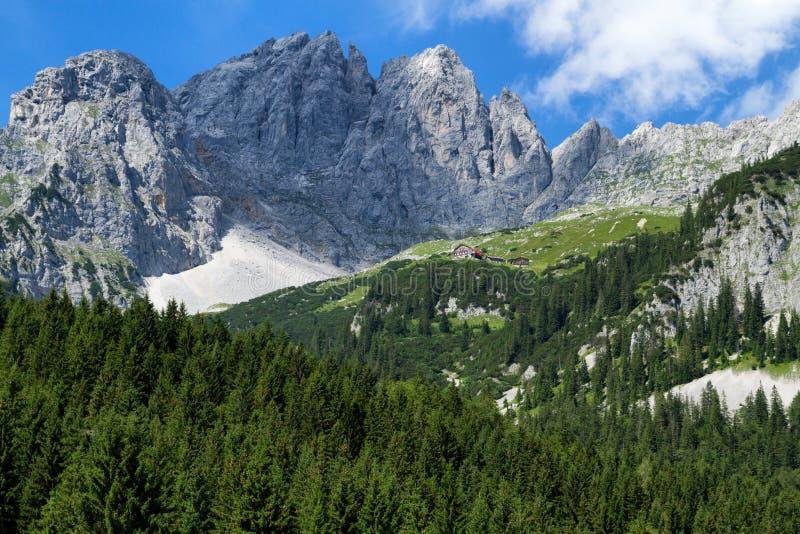 Vista de montanhas de Wilder Kaiser Áustria, Tirol, Gruttenhuette fotos de stock royalty free