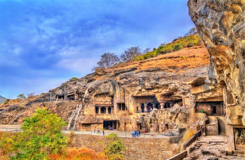 Vista de monumentos budistas em Ellora Caves Um local do patrimônio mundial do UNESCO no Maharashtra, Índia fotos de stock royalty free
