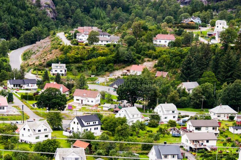 Download Vista de muitas casas imagem de stock. Imagem de scenic - 26522777
