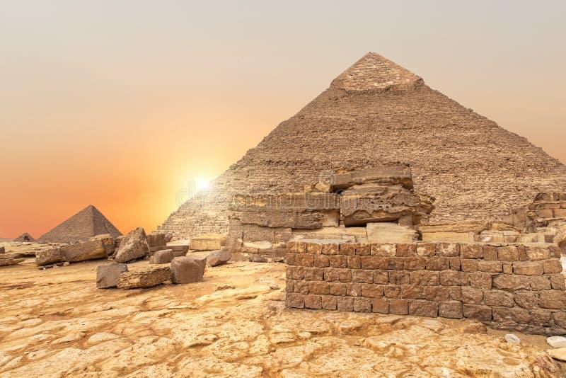 A vista de nivelamento na pirâmide de Khafre em Egito imagens de stock royalty free