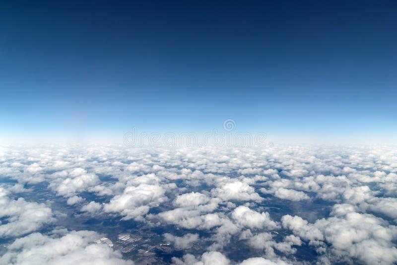 Vista de nuvens de cúmulo de cima de fotos de stock royalty free