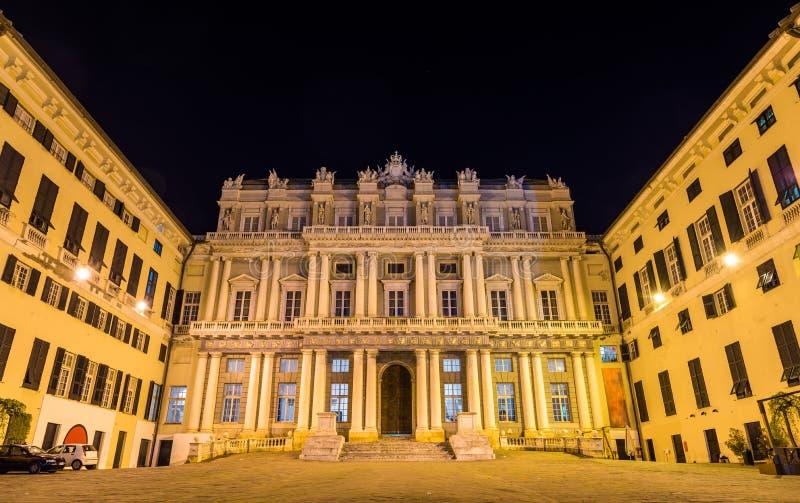 Vista de Palazzo Ducale em Genoa fotografia de stock royalty free