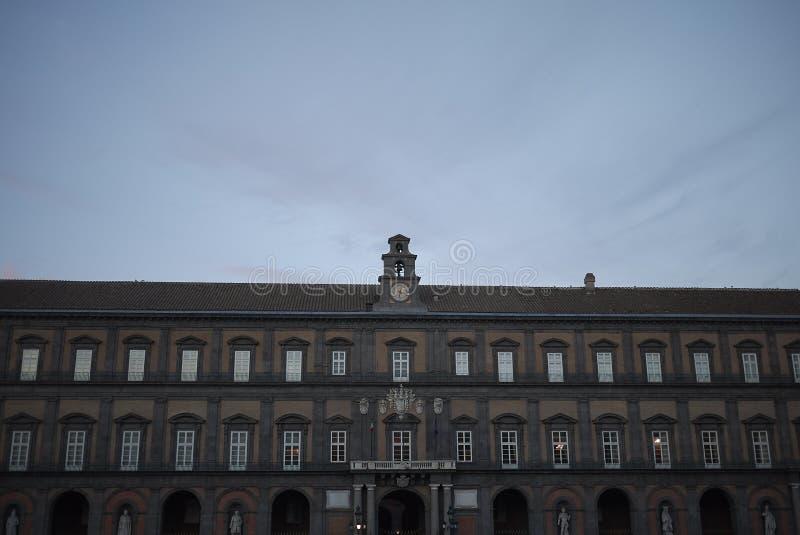 Vista de Palazzo Reale foto de stock
