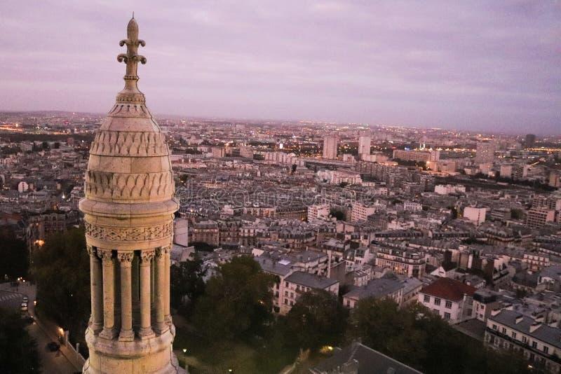 Vista de Paris, França no por do sol imagem de stock royalty free