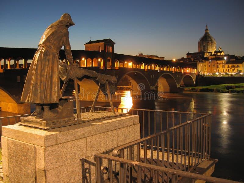 Vista de Pavía, Italia imagen de archivo