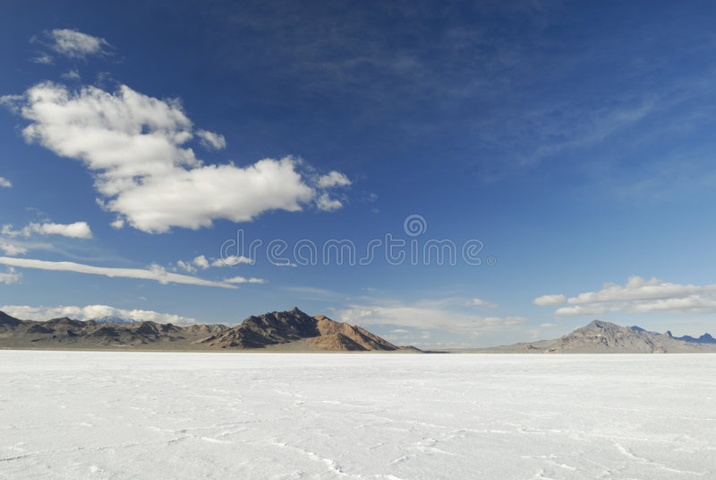 Vista de planos de sal de Bonneville, Utá imagem de stock