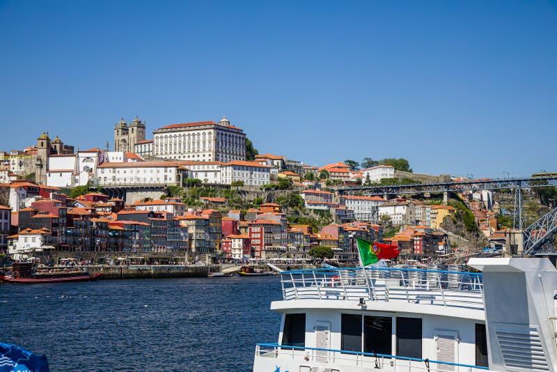 Vista de Porto sobre o rio de Douro, Portugal fotografia de stock