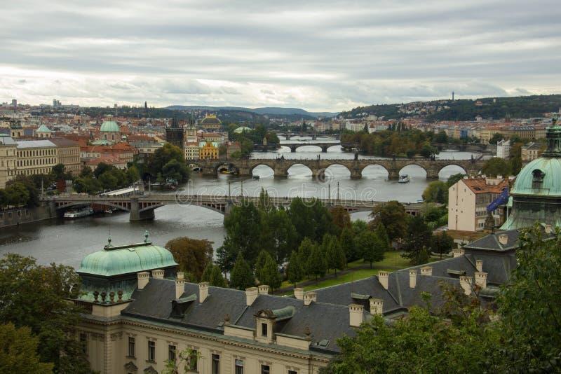 Vista de Praga del parque de Letna imagen de archivo libre de regalías