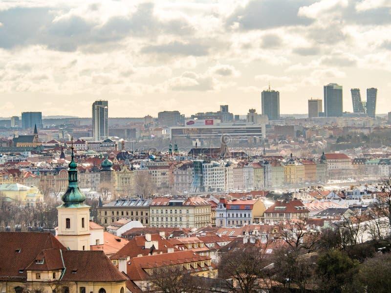 Vista de Praga velha do castelo de Praga imagens de stock royalty free