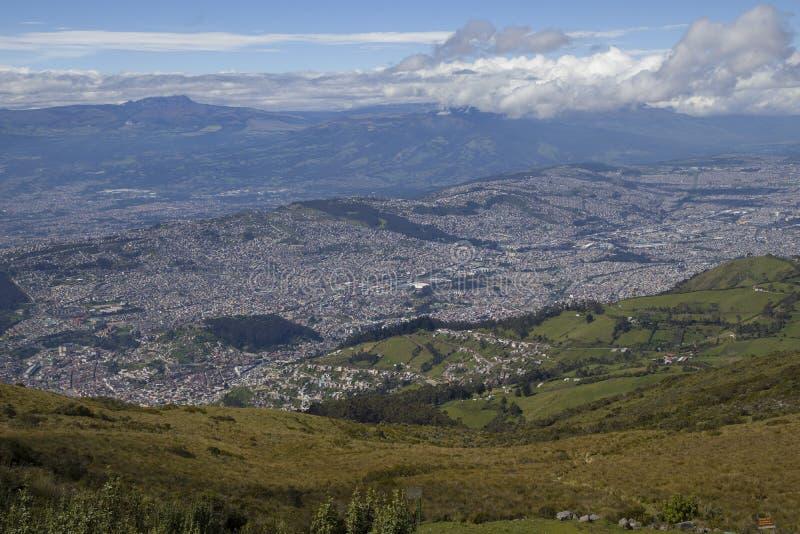 Vista de Quito, Ecuador del TelefériQo fotografía de archivo libre de regalías