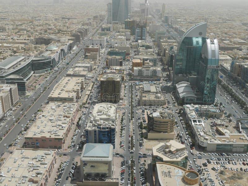 Vista de Riyadh da torre do centro do reino fotos de stock