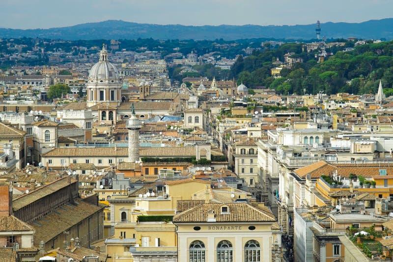 Vista de Roma de la terraza del altar de la patria imagen de archivo libre de regalías