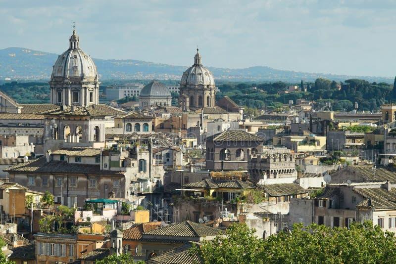 Vista de Roma de la altura fotografía de archivo libre de regalías