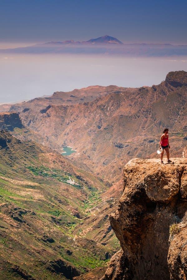 Vista de Roque Nublo imagens de stock royalty free