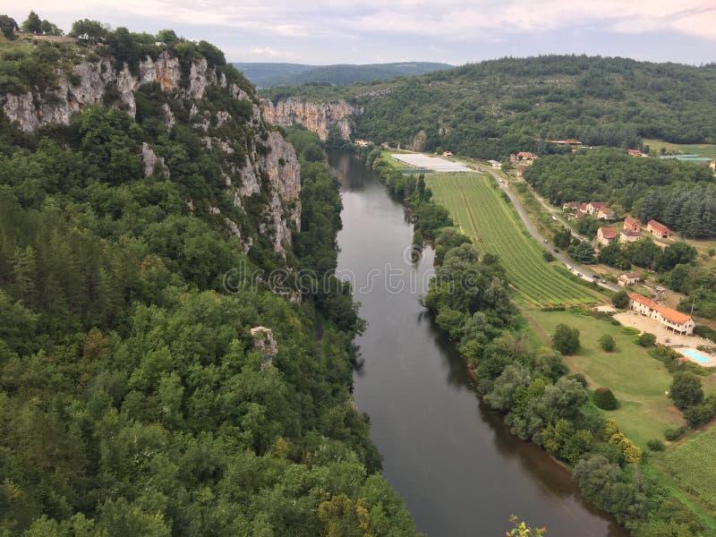 Vista de Saint Cirq Lapopie fotos de stock royalty free