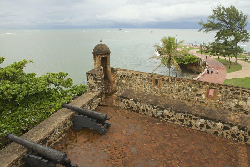 Vista de San Felipe Fort ao beira-mar em Puerto Plata, República Dominicana imagem de stock