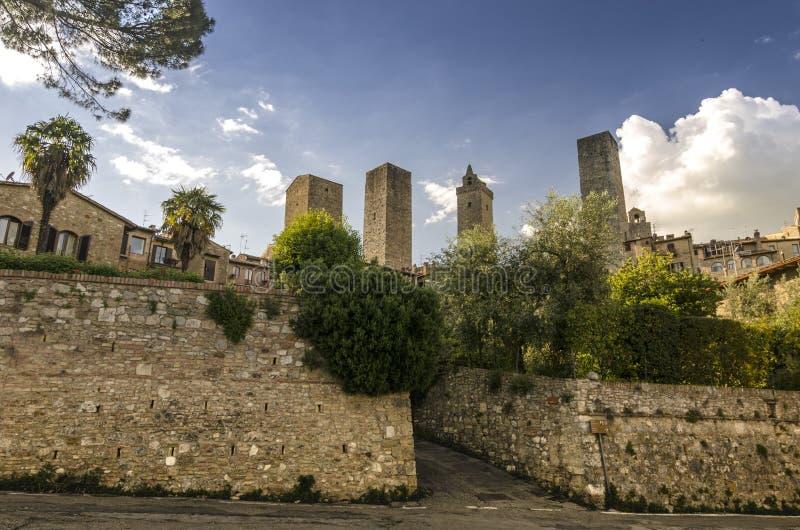 Vista de San Gimignano com suas torres características, Itália fotos de stock