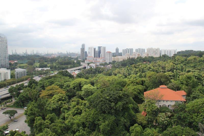 Vista de Singapura na baía da ilha de Sentosa fotografia de stock