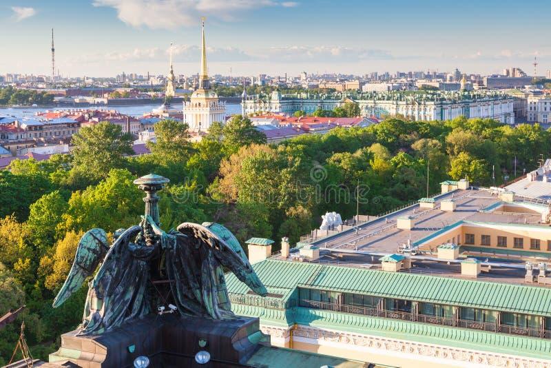 Vista de St Petersburg fotografía de archivo
