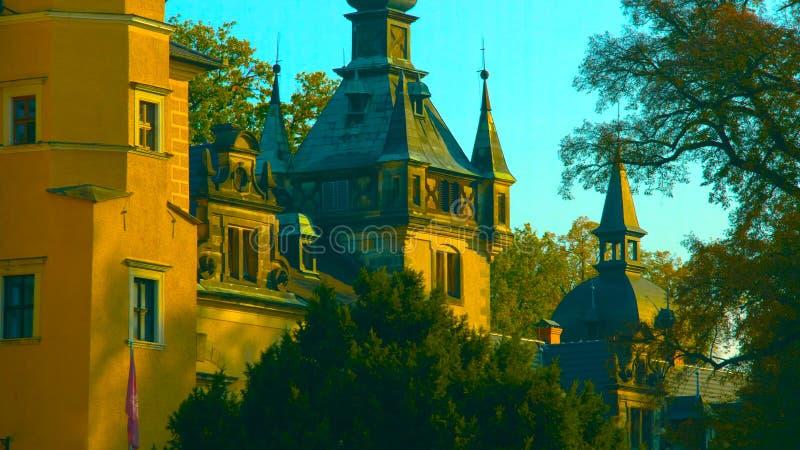 Vista de surpresa do castelo de Ksiaz perto de Walbzych no dia de ver?o O castelo de Ksiaz ? em terceiro lugar o castelo o mais g fotos de stock