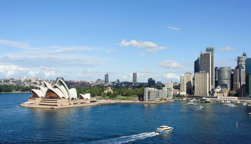 Vista de Sydney e do porto imagens de stock royalty free