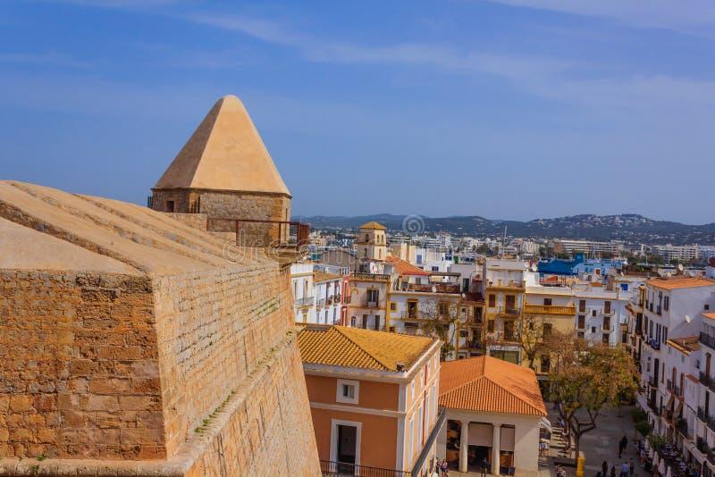 Vista de uma aglomeração das casas na Espanha de Ibiza fotografia de stock royalty free