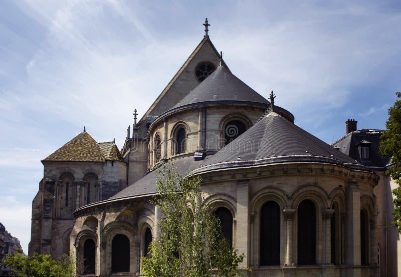 Vista de uma construção tradicional, histórica em Paris fotografia de stock royalty free