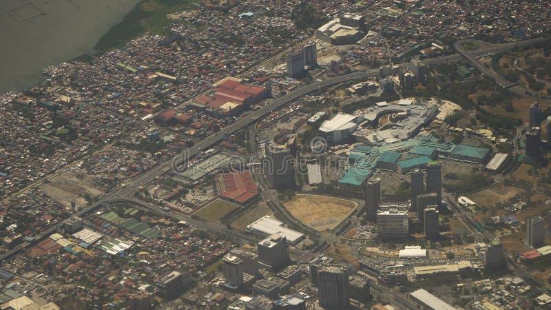 Vista de uma janela do avião Manila, Filipinas foto de stock royalty free