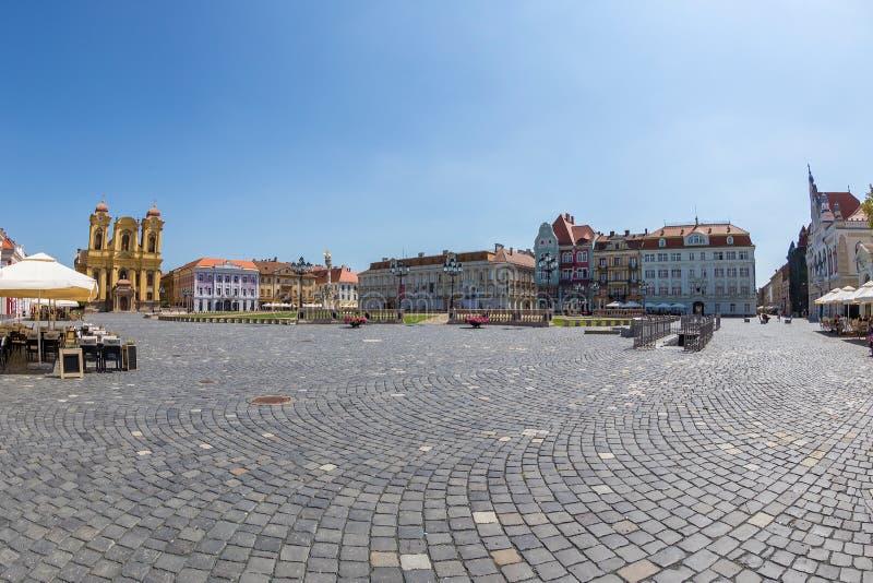 Vista de uma parte em Union Square em Timisoara, Romênia fotografia de stock royalty free