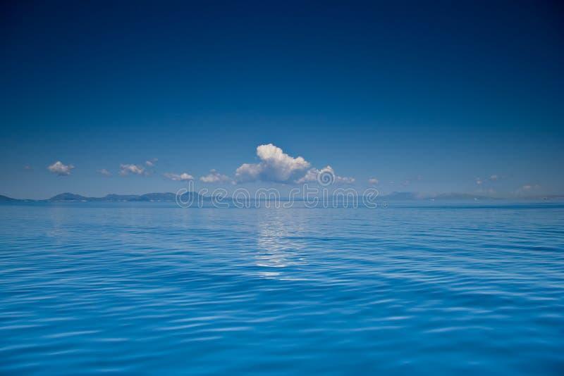 Vista de un mar abierto foto de archivo