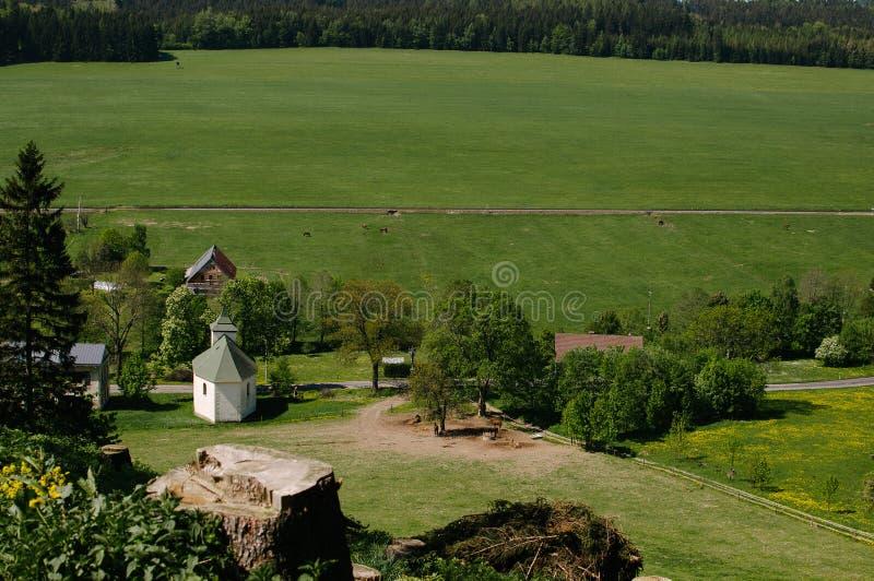 Vista de un pueblo checo Hodkovice imagen de archivo libre de regalías