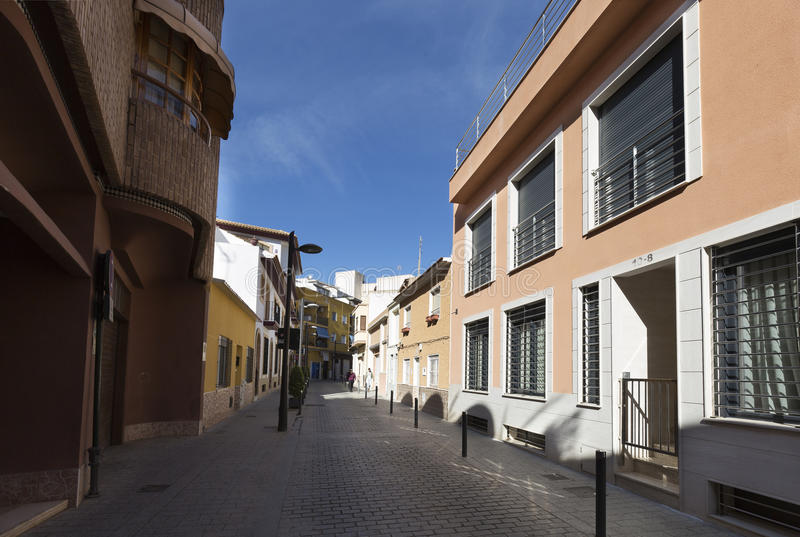 Vista de una calle en el municipio San Vicente del Raspeig foto de archivo