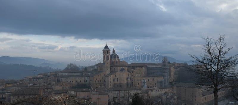 Vista de Urbino, It?lia imagem de stock