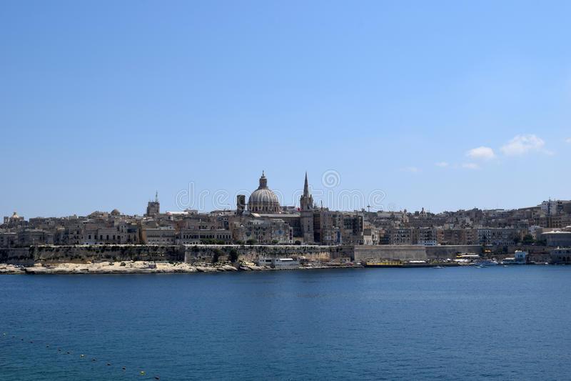 Vista de Valletta da margem de Sliema, Malta fotos de stock royalty free