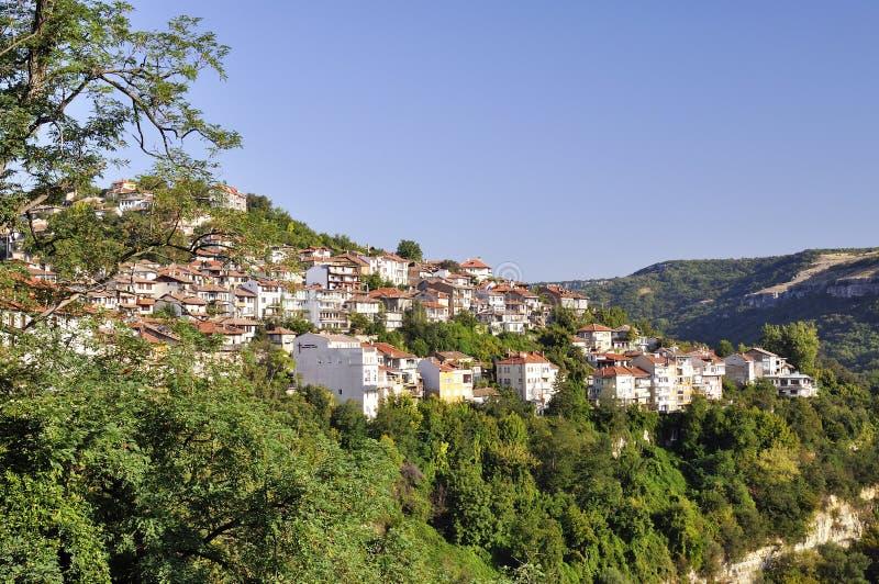 Vista de Veliko Tarnovo, cidade medieval em Bulgária fotos de stock royalty free