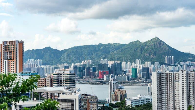 Vista de Victoria Harbour y de rascacielos del punto panorámico Victoria Peak, Hong Kong fotografía de archivo libre de regalías