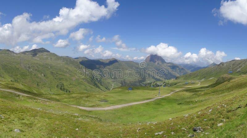 Vista de Wildkogel, Neukirchen, Áustria imagem de stock