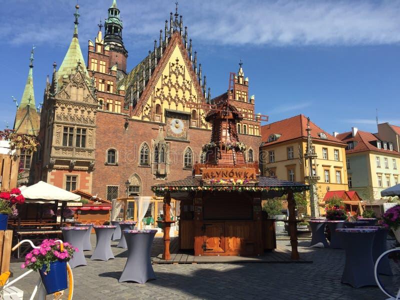 Vista de Wroclaw, amante Silesian, Polônia Ponte de Grunwald, rio Oder fotos de stock
