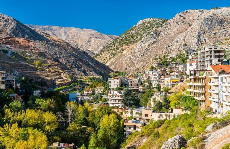 Vista de Zahle, la capital del Governorate de Beqaa de Líbano imagen de archivo libre de regalías