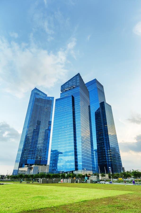 Vista dei grattacieli in Marina Bay a Singapore immagini stock libere da diritti