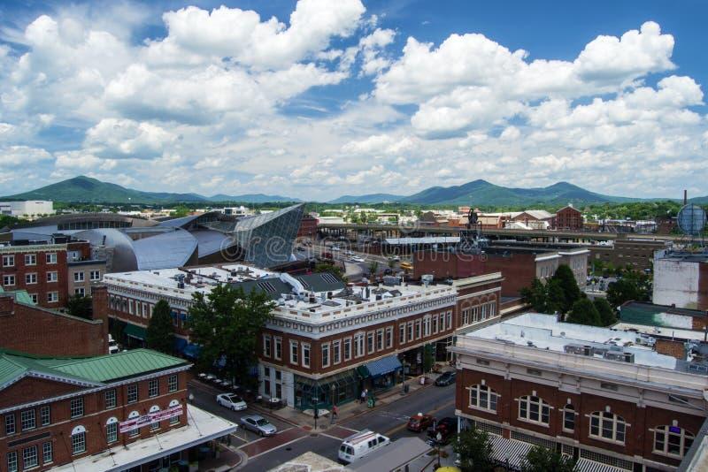 Vista del área del distrito del mercado en Roanoke, Virginia imágenes de archivo libres de regalías