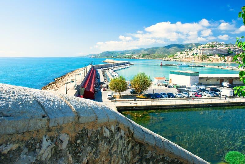 Vista del acceso de Peniscola en Valencia imagenes de archivo
