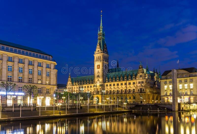 Vista del ayuntamiento de Hamburgo imágenes de archivo libres de regalías