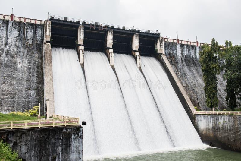 Vista del bacino idrico di Neyyar immagini stock libere da diritti