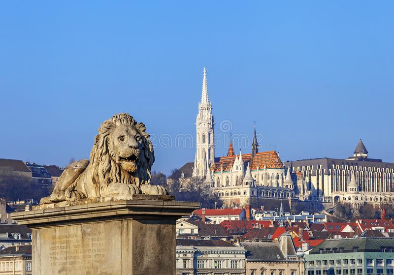 Vista del bastione del pescatore e di Matthias Church a Budapest Ungheria fotografie stock libere da diritti