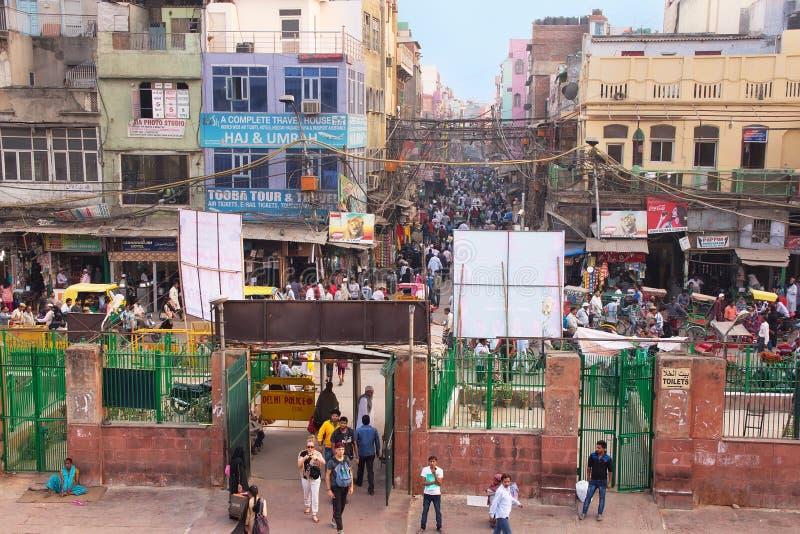 Vista del Bazar de Chawri de Jama Masjid en Delhi vieja, la India fotos de archivo