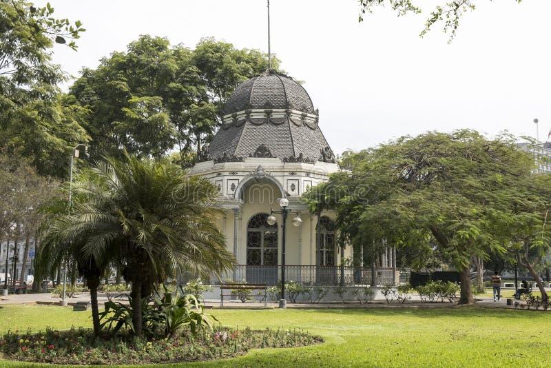 Vista del bizantine clásico construida en el parque de la exposición, Lima, Perú foto de archivo