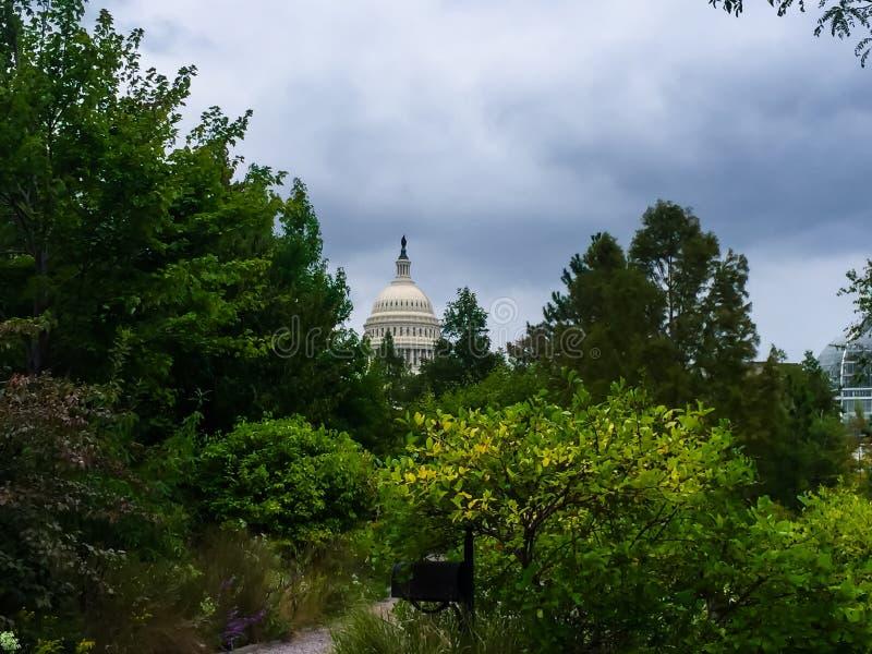 Vista del capitol de Estados Unidos de los jardines botánicos en Wa imágenes de archivo libres de regalías
